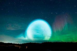 Nga: Người dân hốt hoảng ghi hình quả cầu sáng giống đĩa bay