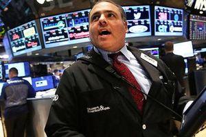 Chứng khoán 24h: Thông báo mua 1 triệu cổ phiếu quỹ, DQC bật tăng trần