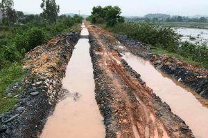 Thị xã Bỉm Sơn (Thanh Hóa): Đê bị 'cày xới', người dân khổ sở