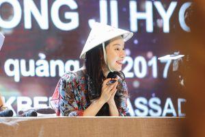 Fan Việt xếp hàng để gặp ''Át chủ bài'' Running Man Song Ji Hyo