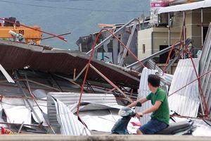 Mất cả năm hàng viện trợ mới tới tay dân vùng bão thì còn ý nghĩa gì?