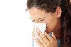 Làm cách nào để phòng viêm mũi dị ứng mùa lạnh ẩm?