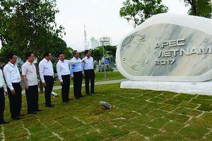 Đà Nẵng: Độc đáo Công viên tượng APEC