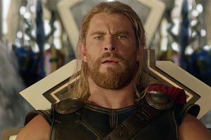 'Thor: Ragnarok' tiếp tục hạ gục loạt phim mới để dẫn đầu doanh thu phòng vé