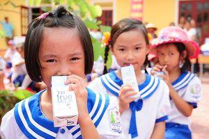 Các trường đề nghị tiếp tục thực hiện chương trình sữa học đường
