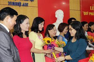 16 giáo viên Nghệ An được trao thưởng 'Quỹ phát triển tài năng giáo dục'