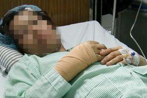 Cảnh sát truy lùng tên cướp chém nữ bác sĩ ở Sài Gòn