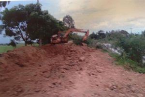 Báo động khai thác cát vùng Bảy Núi