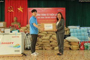 Tặng 250 phần quà từ thiện cho trẻ em, người già có hoàn cảnh đặc biệt