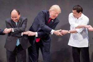 Loạt ảnh ấn tượng và thú vị về Tổng thống Trump công du châu Á