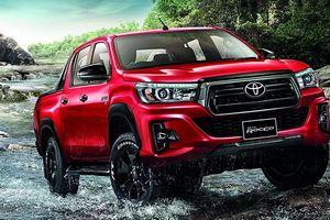 Doanh số thấp, Toyota Hilux Revo facelift ra mắt sớm tại Thái Lan