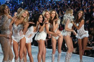 Dàn người mẫu không được trình diễn tại Victoria's Secret 2017