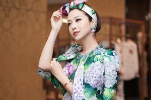 Ngỡ ngàng ngắm nhan sắc như búp bê của Hoa hậu Jennifer Phạm
