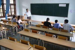Khi giảng đường chỉ có... 5 sinh viên