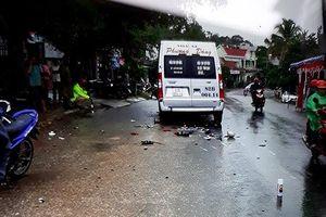 Sau tai nạn nghiêm trọng với xe máy, tài xế xe khách rời khỏi hiện trường
