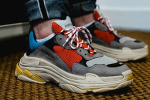 Những mẫu sneaker gây sốt cộng đồng các bạn trẻ thế giới