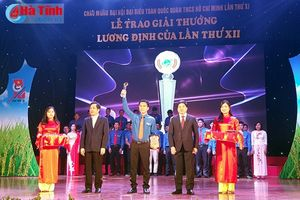 2 thanh niên Hà Tĩnh vinh dự nhận giải thưởng Lương Định Của