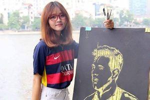 Á khôi Miss Barca tại Việt Nam vẽ Pique, Messi giống như đúc