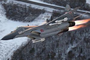 MiG-29 NATO đâm đầu xuống đất