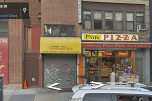Trong lúc đợi mua pizza, hai thanh niên tranh thủ đi cướp