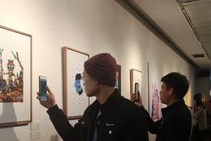 Thích thú trải nghiệm công nghệ số kết hợp với nghệ thuật tại Hà Nội