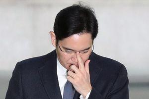 Phó Chủ tịch Samsung Lee Jae-yong đã được thả tự do