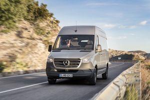 Mercedes-Benz Sprinter thế hệ mới ra mắt, Ford Transit nên dè chừng