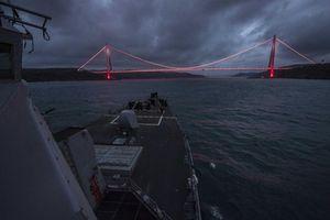 Nga tóm sống chiến hạm tàng hình Mỹ lén vào Biển Đen
