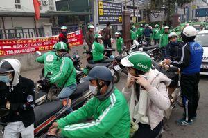 Chạy Grab, Uber 7 ngày Tết bằng 2 tháng lương viên chức