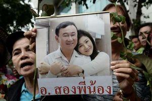 Anh em bà Yingluck xuất hiện ở Singapore