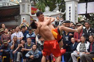 Những màn tranh tài gay cấn ở hội vật làng Mai Động