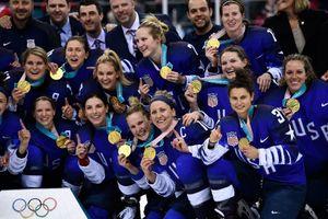 Hockey nữ Mỹ gây chấn động khi giải 'cơn khát' vàng 20 năm