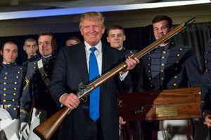 Tổng thống Trump: Trang bị súng cho giáo viên có thể ngăn chặn tấn công