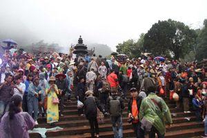 Chùa Hương, đền Sóc khai hội bình yên