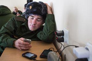Quân đội Nga sẽ cấm binh sĩ sử dụng điện thoại thông minh