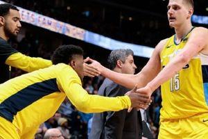 NBA 2017-18, San Antonio Spurs 122-119 Denver Nuggets: Bó tay trước Jokic