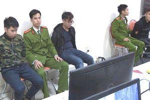 Nửa đêm phục bắt nhóm người Trung Quốc rút trộm tiền ATM ở Quảng Ninh