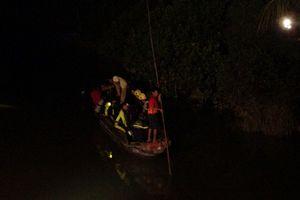 Tắm sông, 2 bé gái sinh đôi chết đuối thương tâm