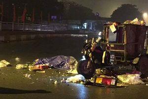 Hà Nội: Xe tải va chạm với xe ba bánh, một công nhân môi trường tử vong