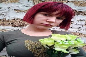 Bé gái 12 tuổi bị chó hoang cắn chết trên đường đi học về