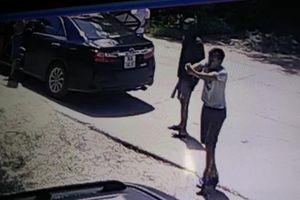 Truy tìm kẻ nổ súng bắn người ngay trước cửa nhà ở Nha Trang