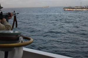 Hải cảnh Argentina nã đạn, truy đuổi tàu cá Trung Quốc suốt 8 tiếng