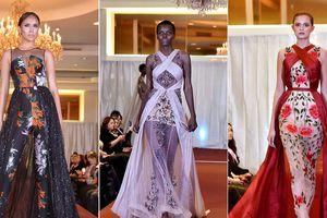 Dàn Hoa hậu thế giới trình diễn váy của NTK Việt ở New York Fashion Week