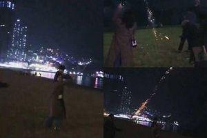 Rò rỉ hình ảnh Chi Pu đi ngắm pháo hoa với ''bạn trai tin đồn'' Hàn Quốc?