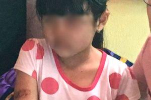 Bé gái nghi bạo hành ở Kiên Giang vẫn chưa thể đến trường