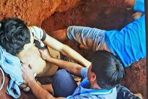 Sạt lở đất trong lúc xây nhà: 1 người chết, 2 người trọng thương