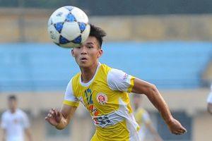 'Thần đồng' bóng đá Việt một thời cập bến Long An