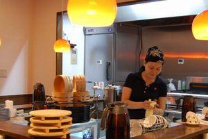 Nhà hàng cho thực khách đổi sức lấy đồ ăn