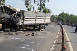 Hai xe tải tông nhau, 1 tài xế tử vong