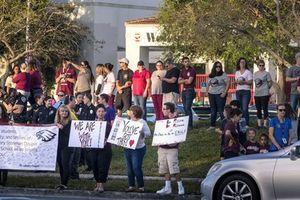 Vụ xả súng ở Florida: Học sinh bắt đầu trở lại trường học